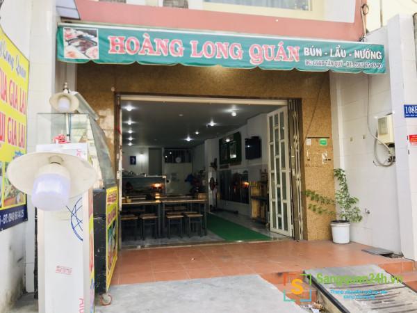 Sang nhanh quán ăn bún cua, lậu, nướng mặt tiền đường Tân Quý, quận Tân Phú.