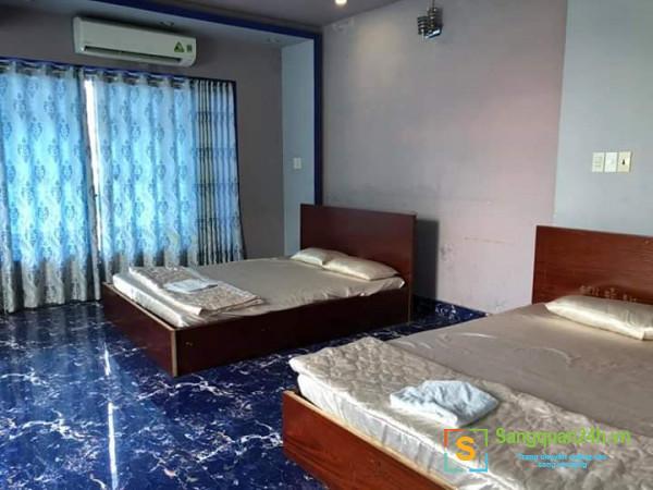 Sang nhanh khách sạn tại 852 Hưng Phú, phương 10, quận 8.